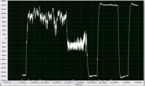 Na zdjęciu pojedynczy przebieg LVDS z własnych pomiarów.